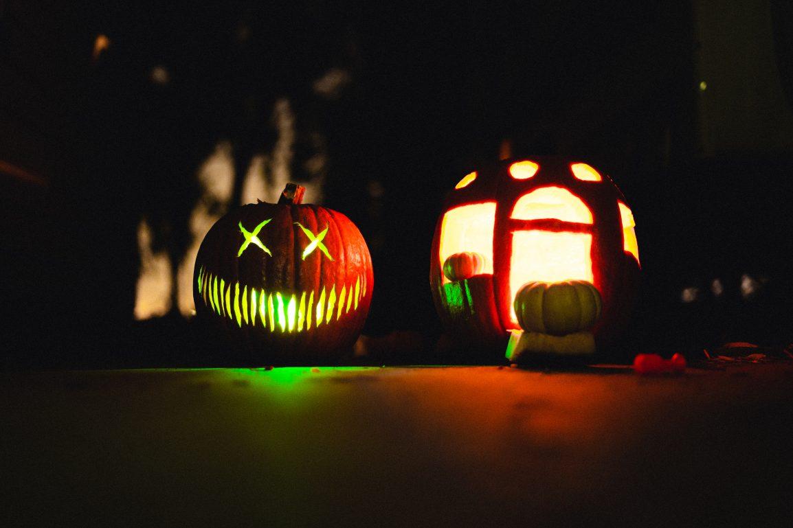 pumpkins and jackolanterns